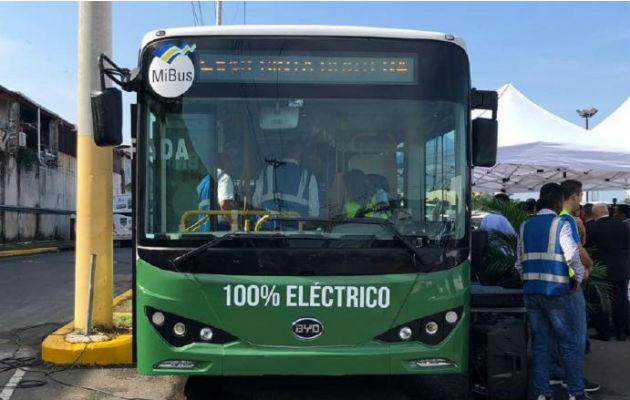 Acuerdan instalar comité que analizará movilidad eléctrica en Panamá