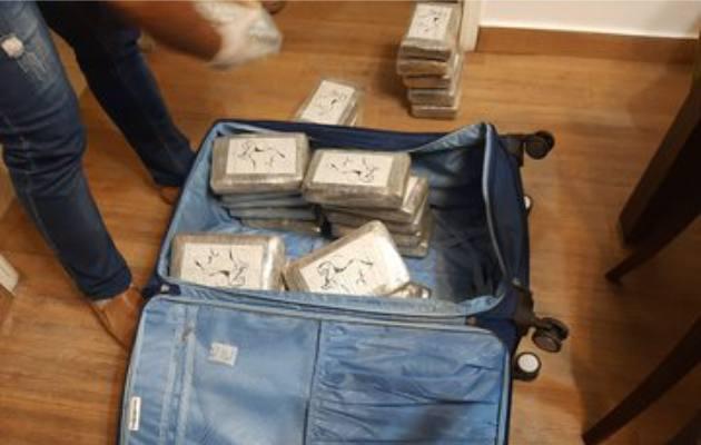En la operación colombo-panameña además del decomiso de drogas, dinero y vehículos se logró la detención de cuatro personas.
