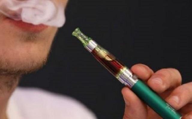Prohibición de vaporizadores se elevaría a ley