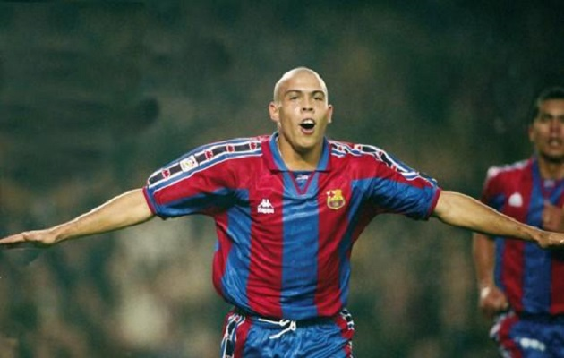 Ronaldo se confiesa: 'Tenía el deseo de seguir en el Barcelona'