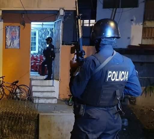 La Policía Nacional y el Ministerio Público se toman varios sectores de Colón