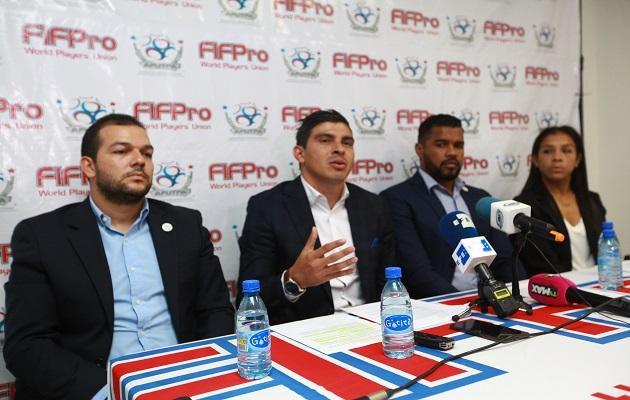 Futbolistas mantienen en suspenso la jornada por  huelga inédita en la liga panameña