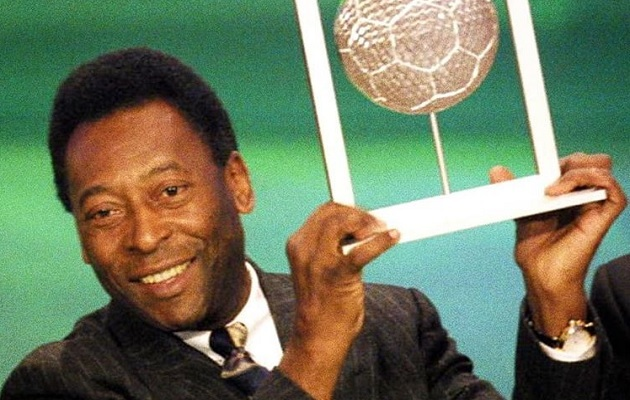 Pelé tranquiliza a la afición: 'Sigo aceptando las limitaciones físicas de la mejor manera posible'