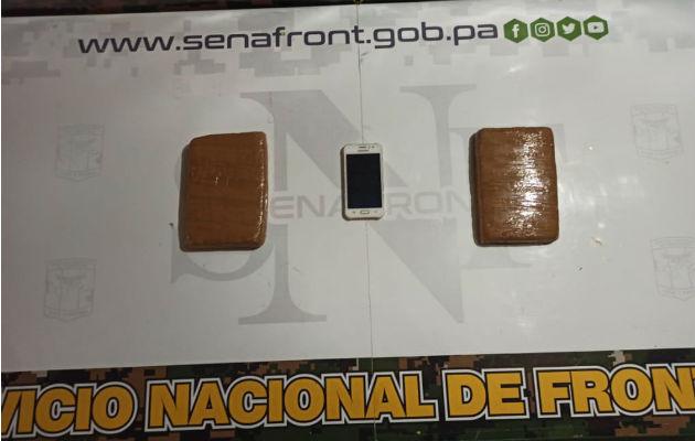 En un vehículo coaster y en un auto pick up transportaban la droga. Foto: Cortesía.