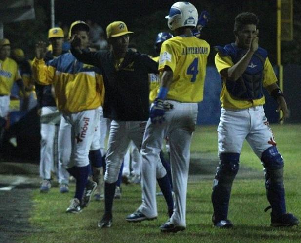 Herrera podría clasificar a la final del béisbol juvenil en el  Claudio Nieto
