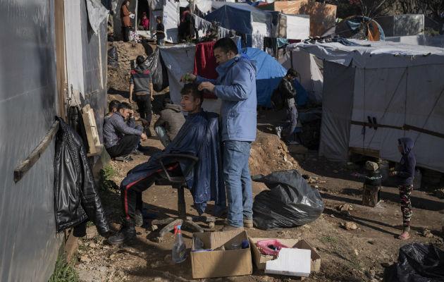 Isla griega lidia con flujo migrante
