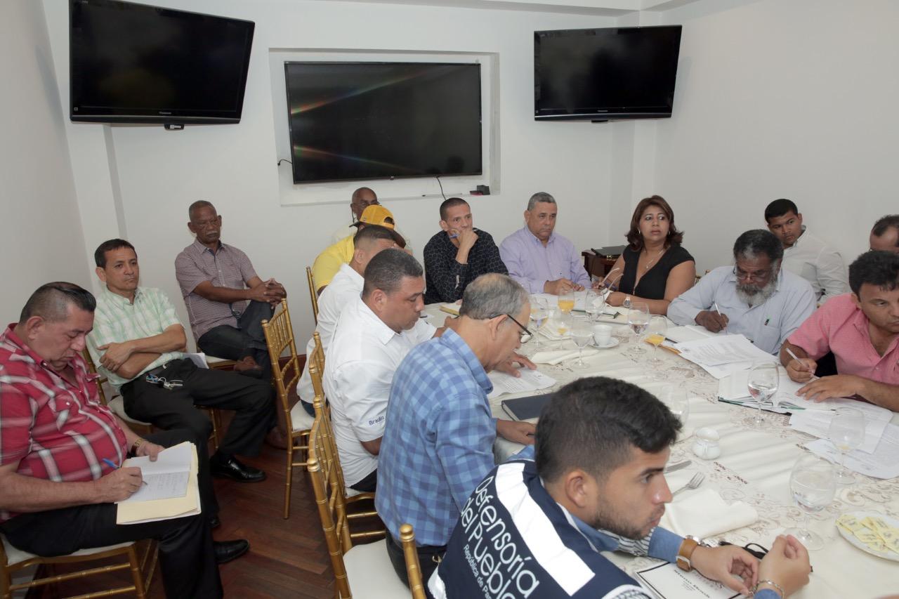 Fracasa mesa de diálogo entre transportistas y miembros del Ejecutivo