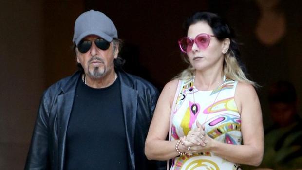 Novia de Al Pacino termina con él por 'viejo' y 'tacaño'