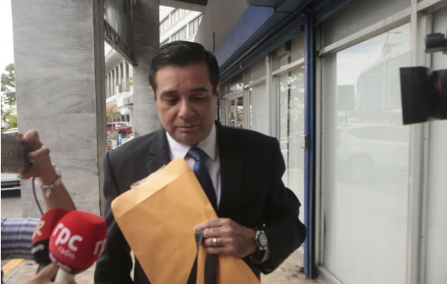 Exdiputado Jorge Alberto Rosas acude a Fiscalía Anticorrupción por caso Odebrecht