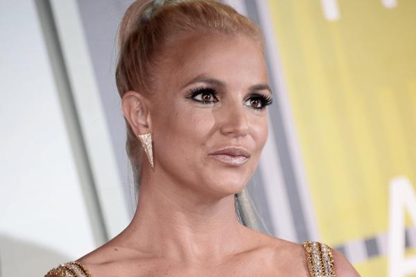 Britney Spears sufre fractura en el pie