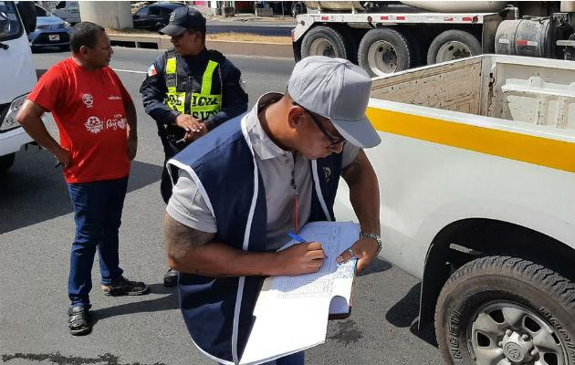 Contraloría detecta 43 vehículos del Estado incumpliendo norma durante el Carnaval