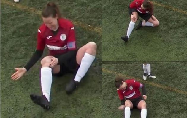 Futbolista se disloca la rodilla, se la acomoda y continúa jugando