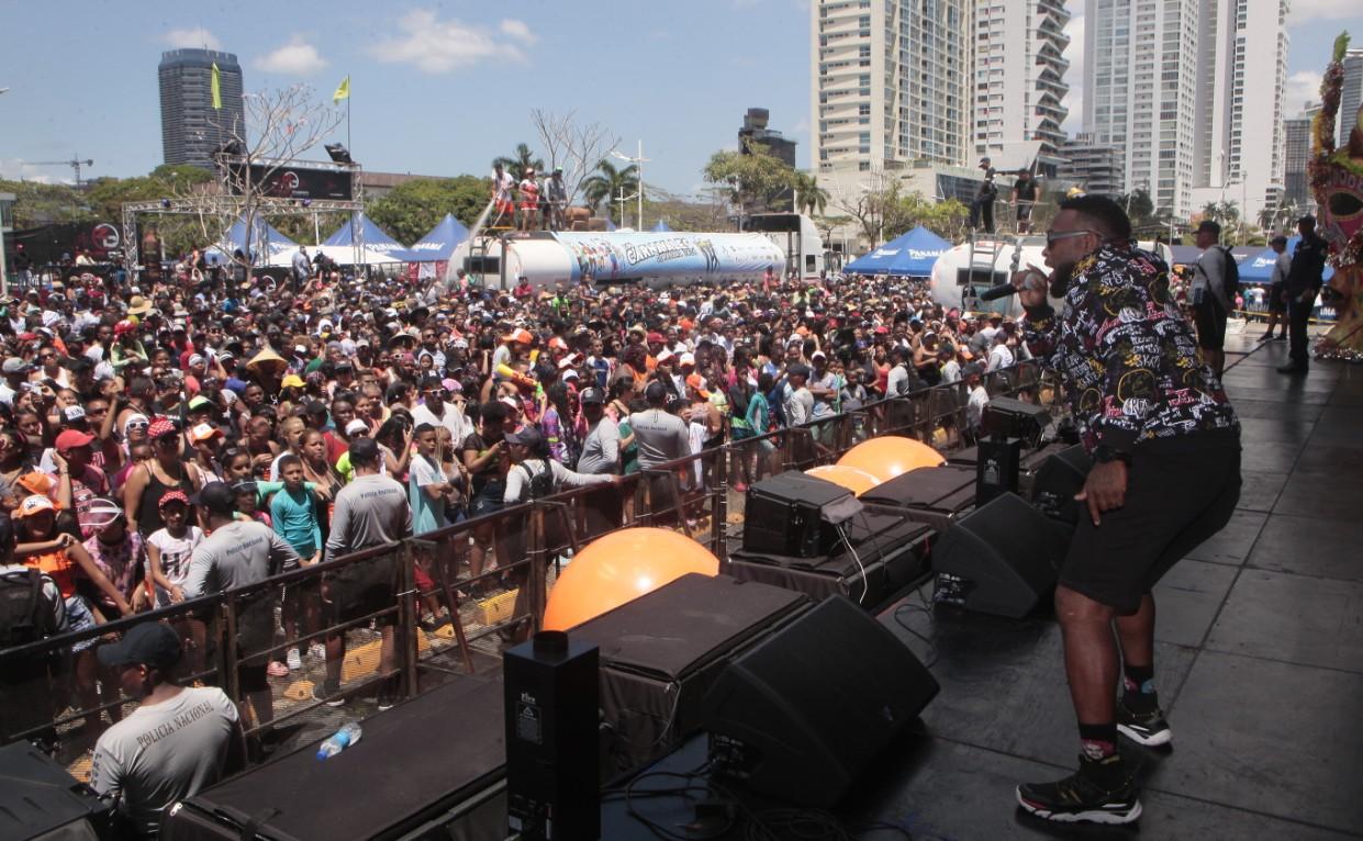 Martes de Carnaval sin culecos para muchas personas en la Cinta Costera