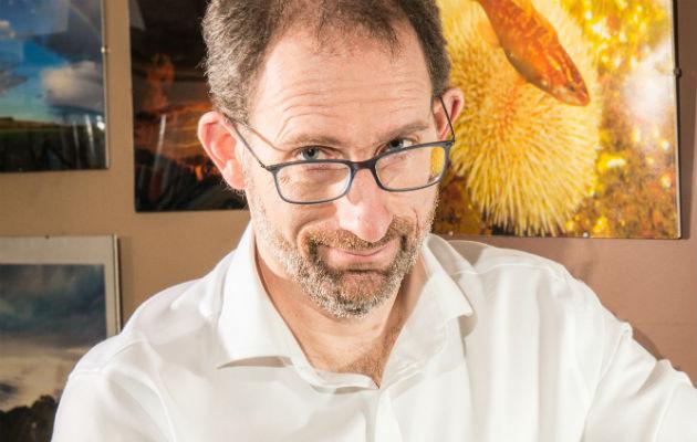 Investigador exhibe engaños de redes sociales