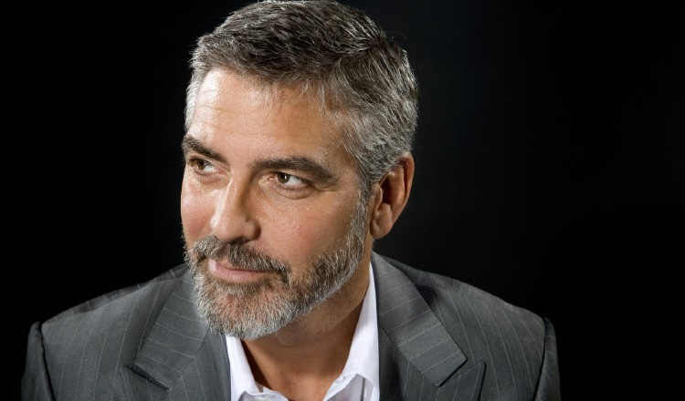 George Clooney está indignado