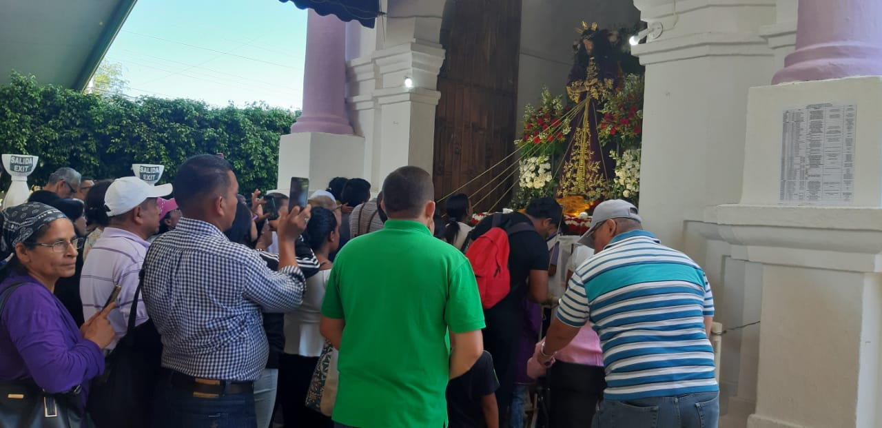 Peregrinos se toman Atalaya en el primer domingo de Cuaresma