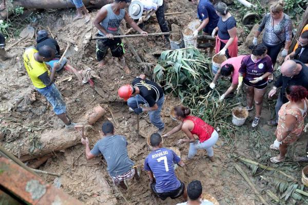 Lluvias en São Paulo dejan más de 20 muertos entre ellos tres niños y un bebé