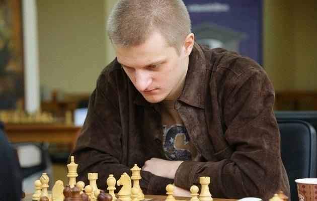 Gran maestro del ajedrez y su novia fallecen tras usar el gas de la risa