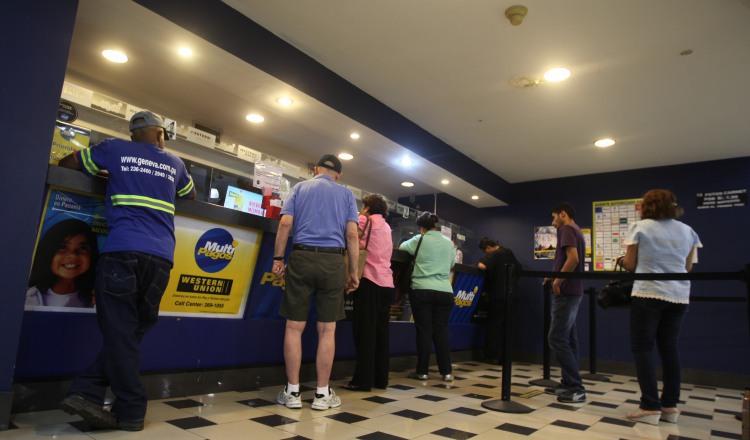 Fuga de divisas por remesas en Panamá se incrementó 327 millones de dólares