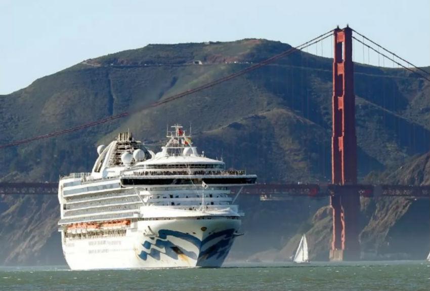Dos panameños confinados con miles de pasajeros en crucero con casos confirmados de coronavirus