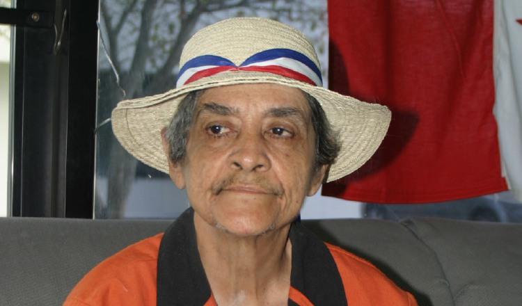 Gladys De La Lastra, cantautora, cultora del folclore. Panamá América
