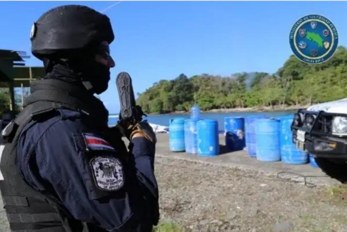 Ticos tumban tres toneladas de cocaína