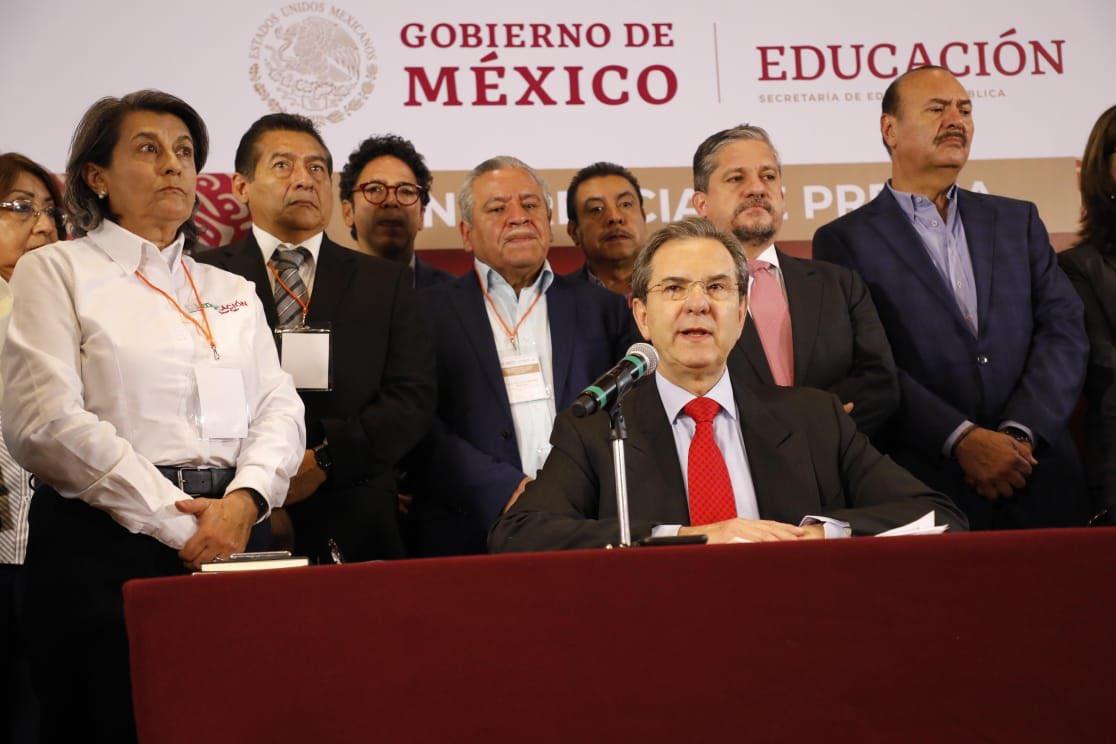 México suspende clases por un mes como medida preventiva frente al coronavirus