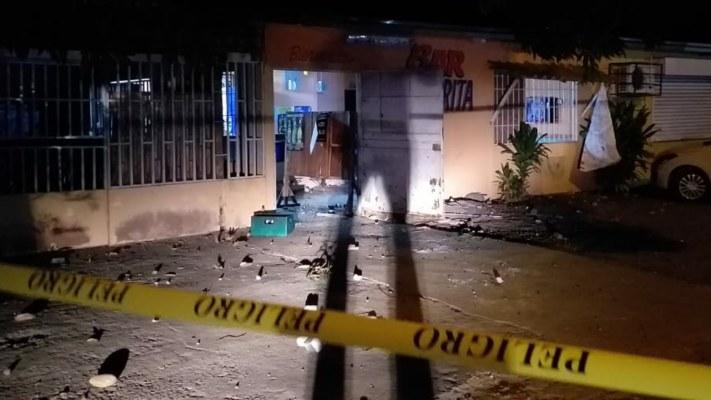 En medio de balas, botellas y piedras asesinan a chiricano en un bar