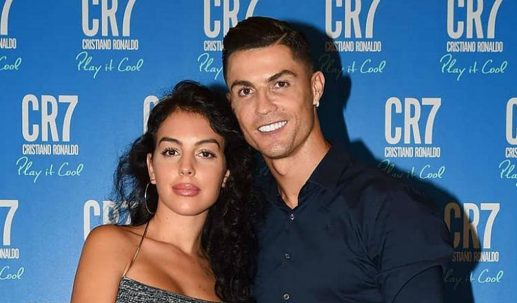 Le llueven críticas a la pareja de Cristiano Ronaldo