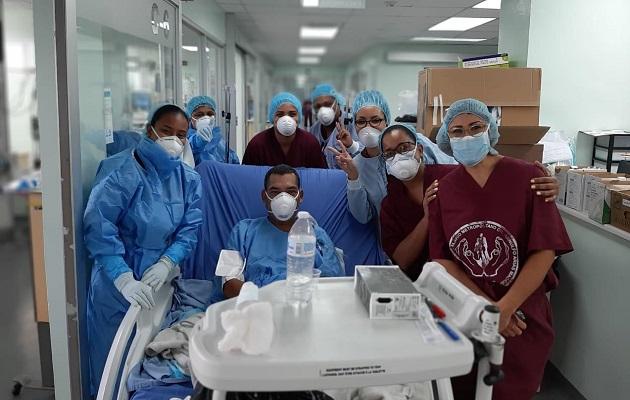 Coronavirus en Panamá: Profesor del Colegio Francisco Beckmann sale de la Unidad de Cuidados Intensivos