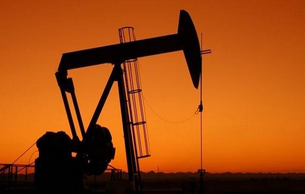 El precio del petróleo de Texas cae 4.8 por ciento por caída en demanda y perspectiva de aumento producción