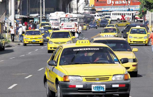 Regulan circulación de taxis a nivel nacional por terminación de placas