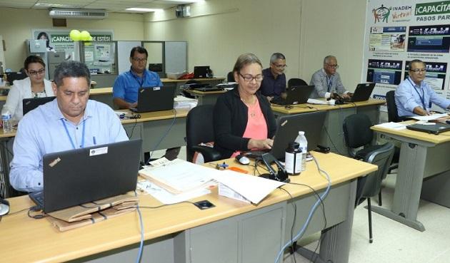 Muchos funcionarios han mostrado su rechazo a que se les descuente para fortalecer el Bono Solidario que busca ayudar a los afectados por el COVID-19.