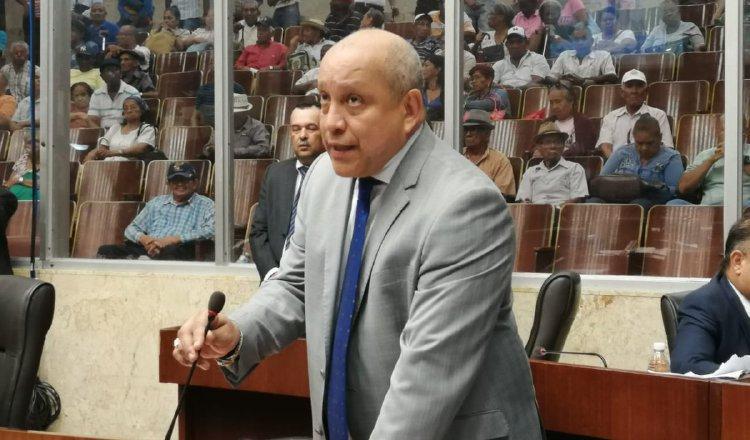 Diputado Crispiano Adames sugiere sesionar de manera virtual