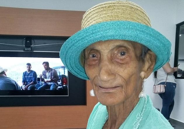 ¡EXCLUSIVA! La milagrosa historia de la abuela de 99 años que venció al COVID-19