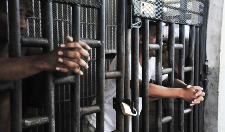 Las condiciones en que se mantienen recluidos los privados de libertad en algunos centros penales, son inhumanas. Archivo