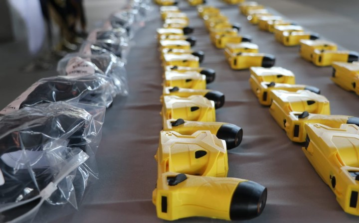 Entregan nuevas armas a unidades de la Fuerza Pública