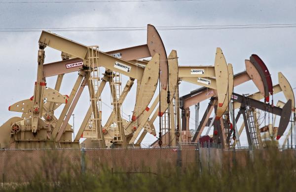 El petróleo de Texas en caída histórica y por debajo de $5 el barril