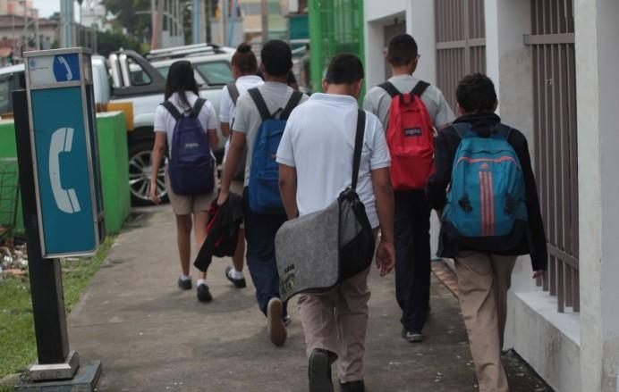 Cerca de 39 colegios particulares cuentan con el aval del Meduca para retomar clases virtuales