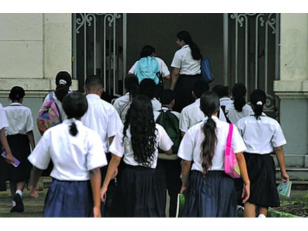 Futuro incierto para escuelas particulares que no se ajusten al sistema recomendado por el Meduca