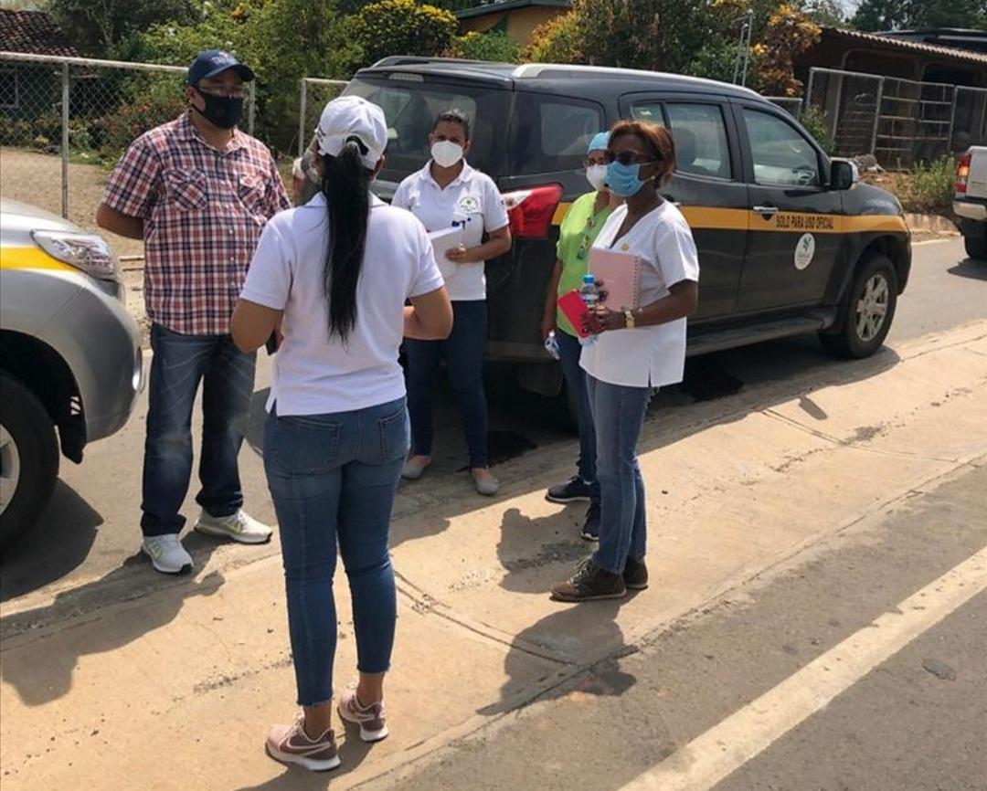 Salud orienta a productores de El Barrero para evitar contagios del COVID-19