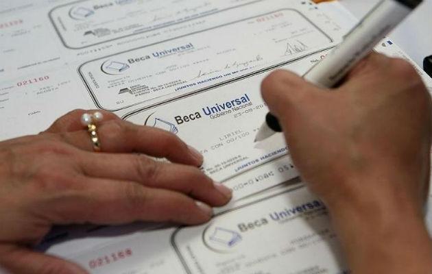 El pago de estas becas se efectuará según las normas de movilidad establecidas por las autoridades.