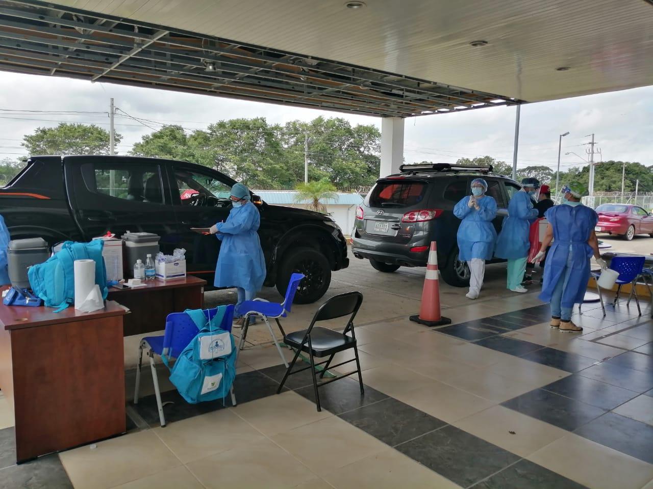 Más de 400 personas han utilizado el auto rápido de Dolega para vacunarse contra la influenza