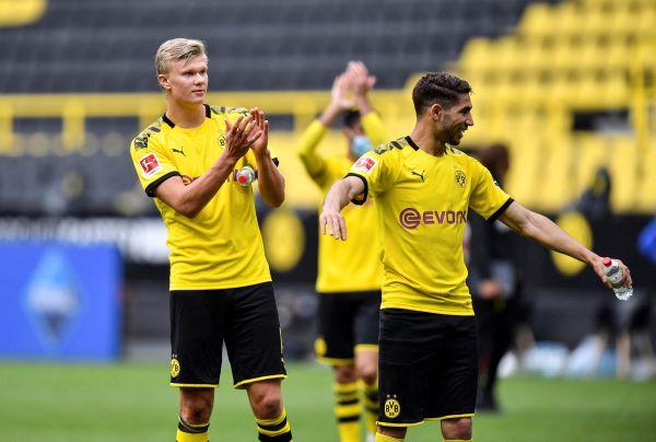 Jugadores del Borussia festejan el triunfo. Foto:AP