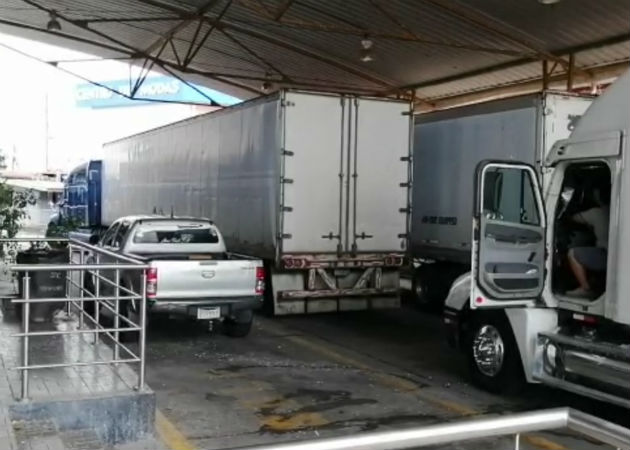 Sigue el cierre en Paso Canoas, transportistas centroamericanos se unen para sabotear a Costa Rica