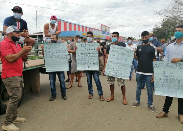 Pescadores artesanales del sur de Veraguas protestan en Llano de Catival