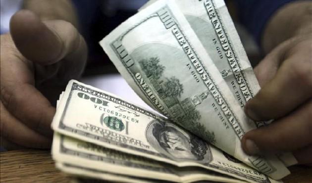 Gobierno de Argentina aplica restricciones a las empresas que quieran comprar dólar