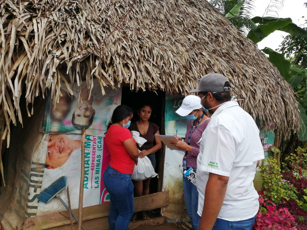 Entregan alimentos en comunidades apartadas de Herrera
