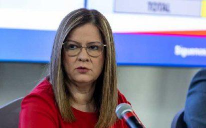 Dos asesores del Comité COVID-19 meditan renunciar, ministra Rosario Turner dice que no lo aceptará