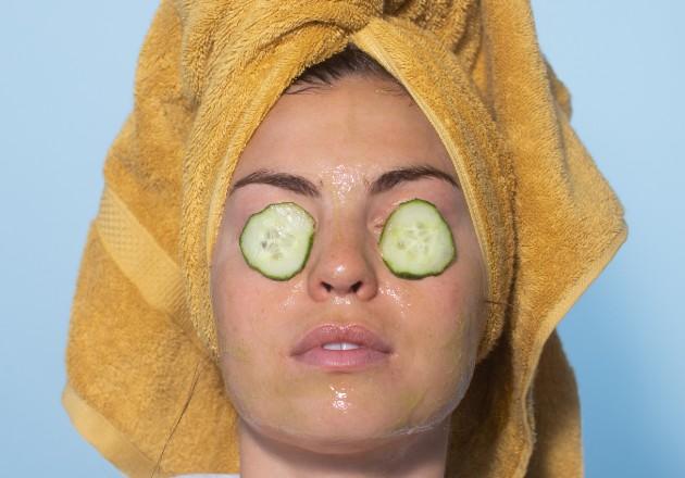 Cambian el maquillaje por productos para el cuidado de la piel